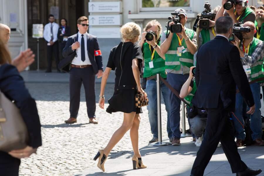 Brigitte Macron en Louis Vuitton à Bruxelles