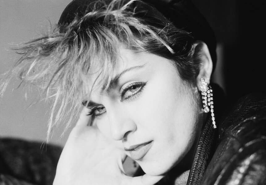 Casquette en cuir et frange ébouriffée, les débuts du look Rock de Madonna en 1982