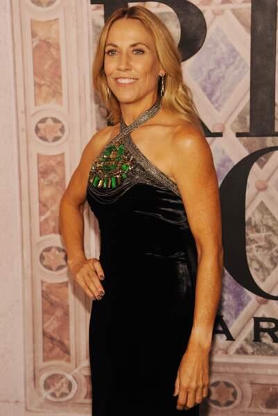 Sheryl Crow radieuse en robe noire