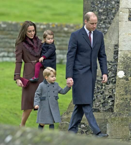 Kate Middleton et le prince William avec Charlotte et George
