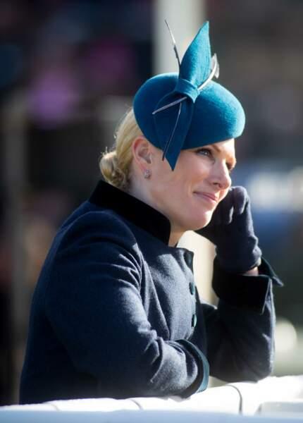 Zara Phillips, la cousine du prince William, porte le chignon bas comme souvent pour les stars du gotha