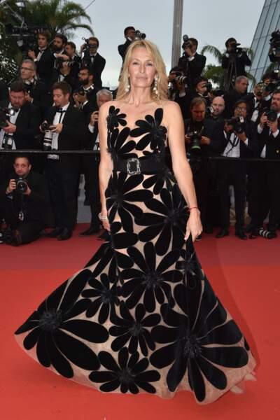 Estelle Lefébure en robe noire