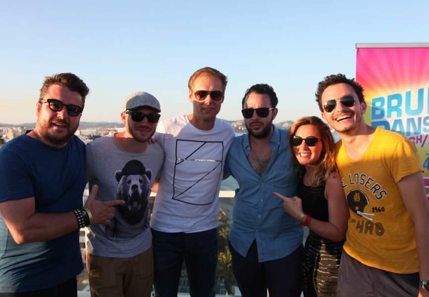 Armin Van Buuren avec l'équipe de Bruno dans la radio