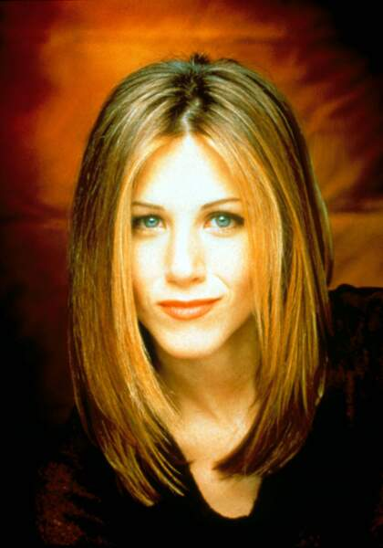 Jennifer Aniston époque Friends avec toujours ses mèches qui encadrent son visage