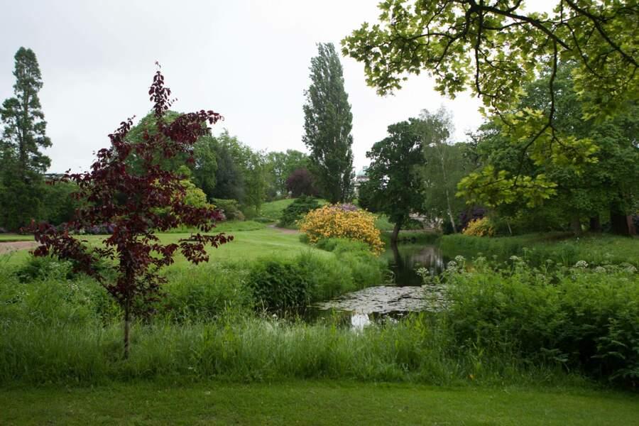 Frogmore House, proche de Windsor, est également réputée pour ses jardins paysagés par la reine Charlotte