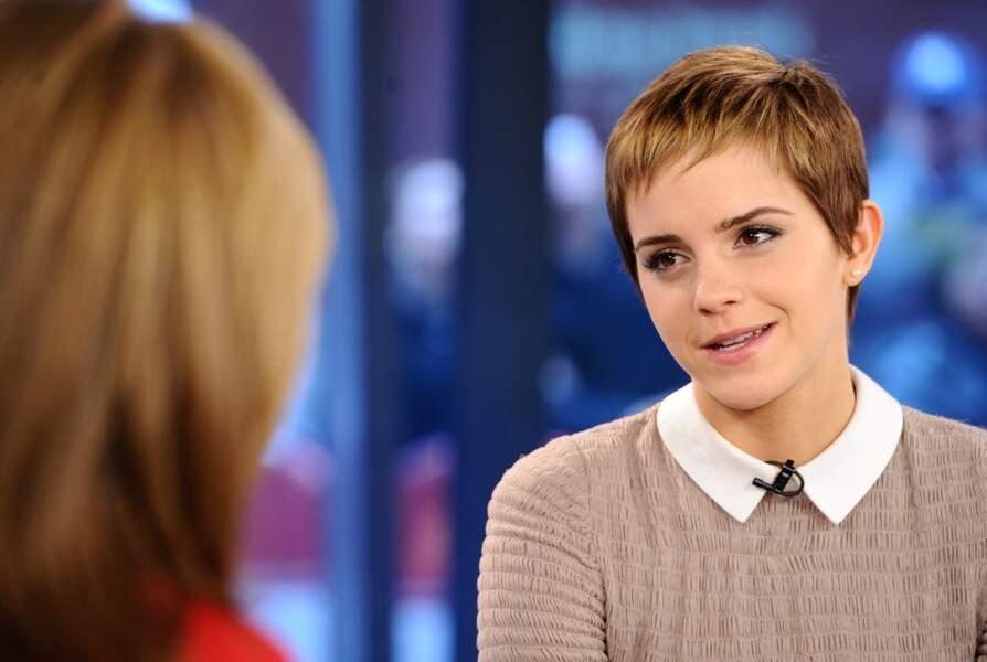 Pour ses 20 ans, Emma Watson s'offre une coupe boyish.