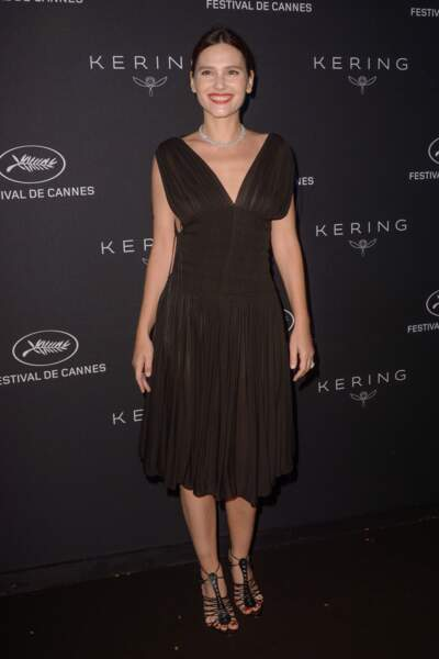 Virginie Ledoyen magnifique en robe du soir