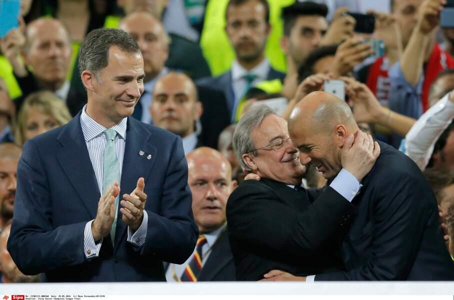 Felipe VI d'Espagne et Fiorentino Perez (président du Real) félicitent Zizou - SIPA