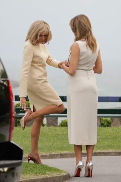 Brigitte Macron aurait-elle un problème de talon ?