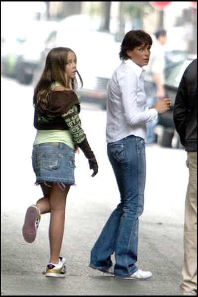 """Stéphanie de Monaco et sa fille Pauline sur le tournage du clip """"L'or de nos vies"""" en 2006"""