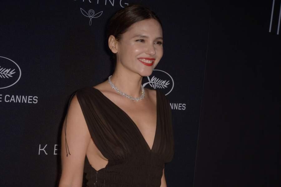 Virginie Ledoyen a choisi une robe qui sublime sa poitrine