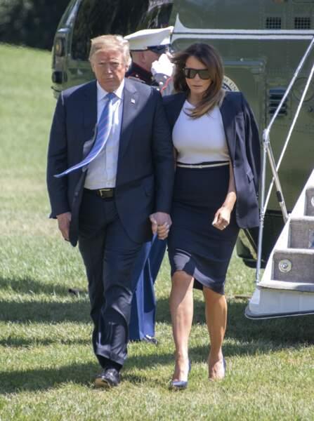 Une fois n'est pas coutume, les deux époux se tiennent la main