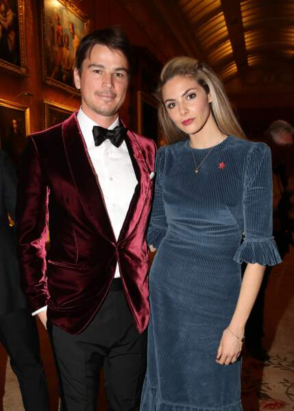 L'acteur Josh Hartnett et sa compagne Tamsin Egerton étaient aussi très élégants pour dîner avec le prince Charles