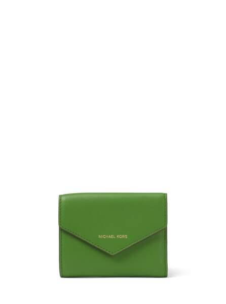 Granny, petit portefeuille Jet Set en cuir vert MICHAEL MICHAEL KORS, 95€ (michaelkors.fr)
