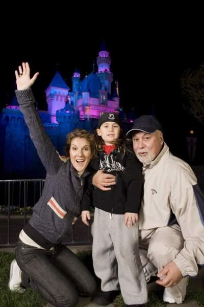 Céline Dion, René-Charles et René Angélil à Disneyland en Californie, en 2007