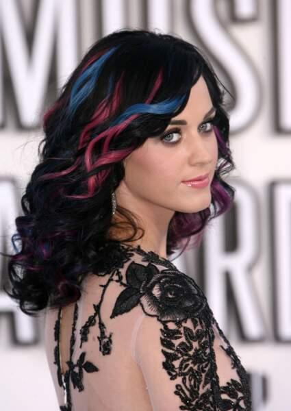 Les mèches roses et bleues de Katy Perry