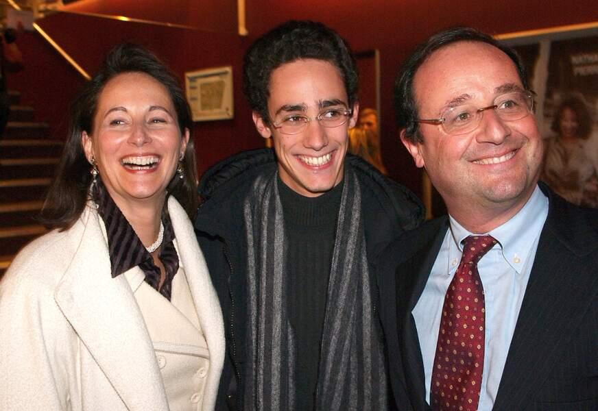 Thomas Hollande entouré de Ségolène Royal et de François Hollande.