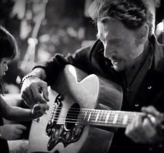 Premiers accords d'un nouvel album devant une Joy très attentive. Août 2012