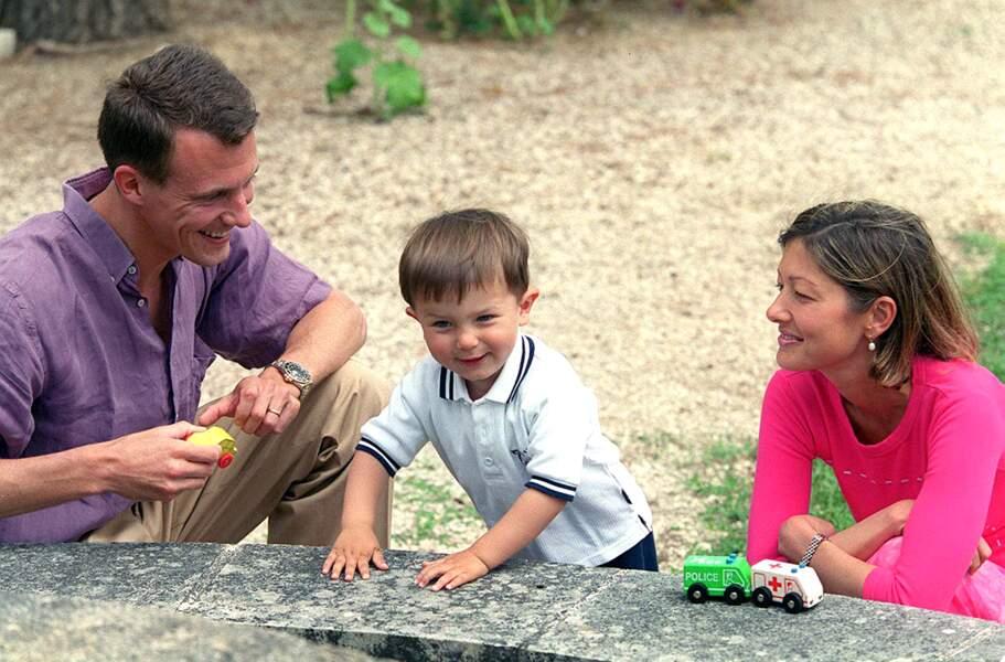 Le prince Joachim du Danemark a été marié à Alexandra Manley. Ici, avec leur fils le prince Nicolay.