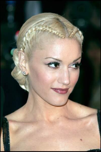 Les tresses collées en forme de coeur de Gwen Stefani