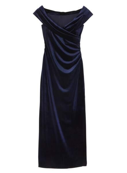 Robe longue en velours, 279 €, Un Jour Ailleurs.