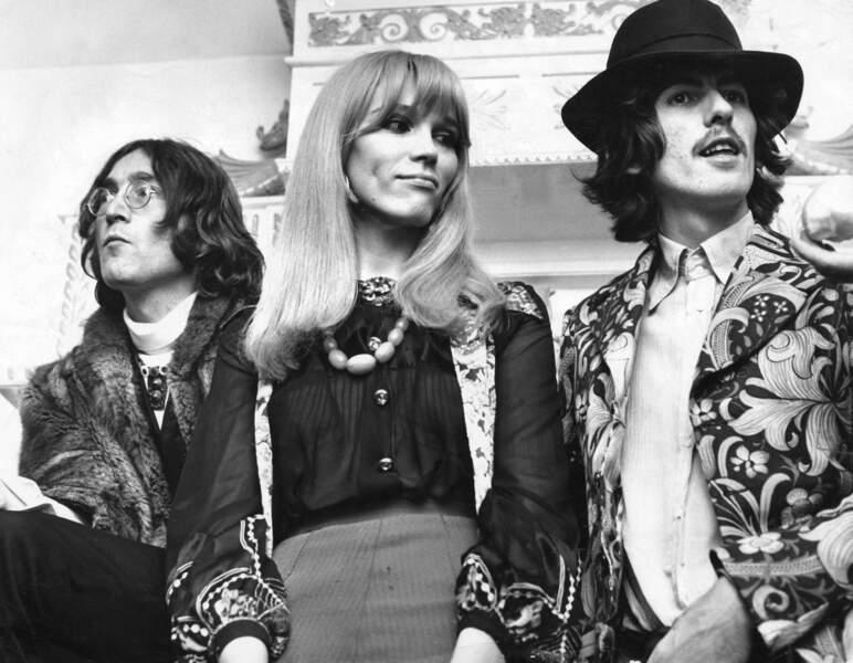 En plein Swinging London, avec John Lennon et George Harrison, en 1968.