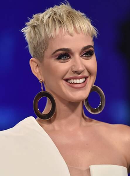 La coupe androgyne de Katy Perry