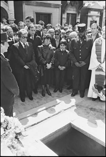 Orlando et Max Guazzini aux obsèques de Dalida au cimetière de Montmartre le 6 mai 1987