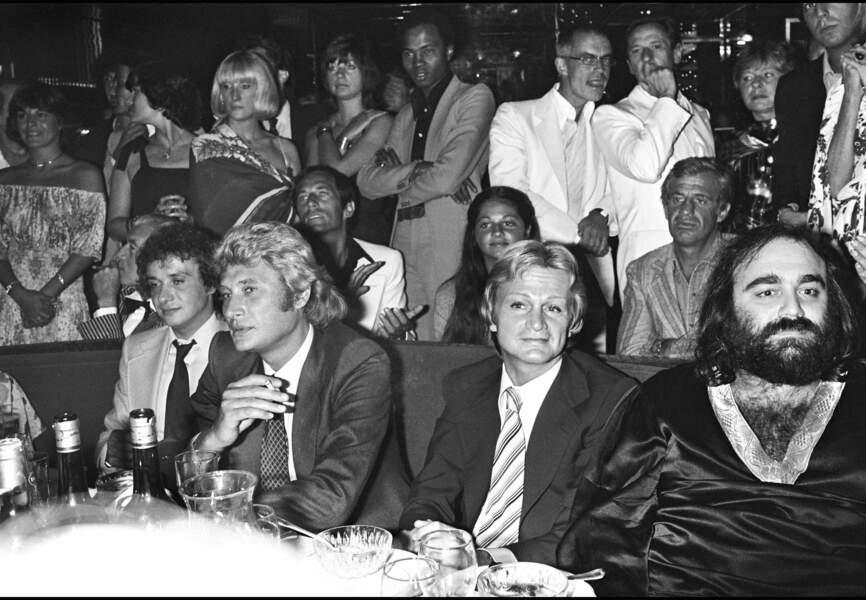 Demis en compagnie de Claude François, Johnny Hallyday et Michel Sardou en 1977