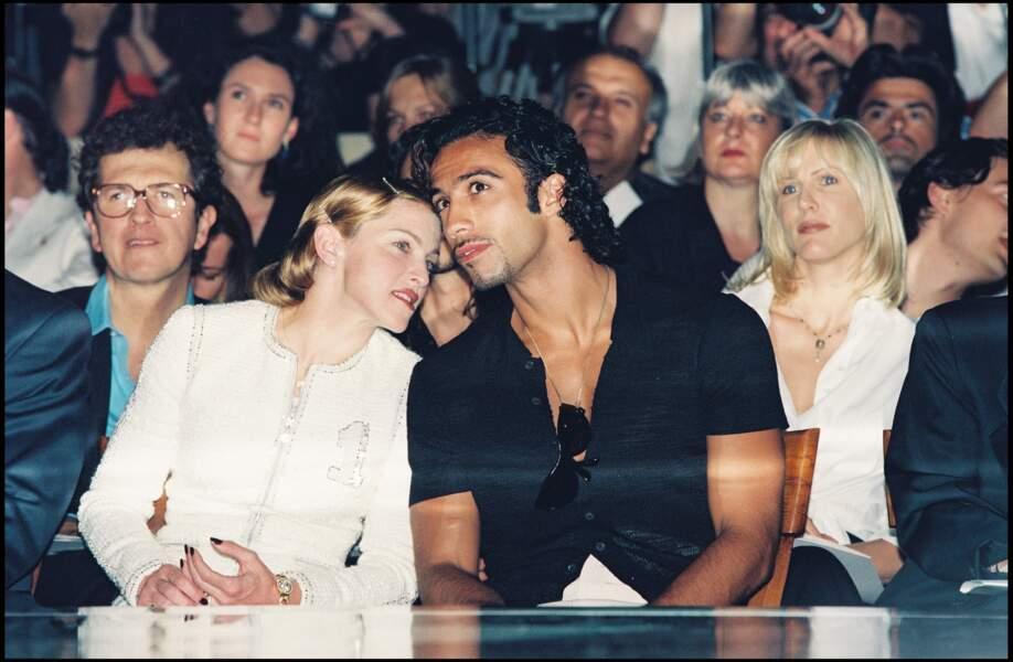 Madonna et Carlos Leon au défilé Versace à Paris en 1995