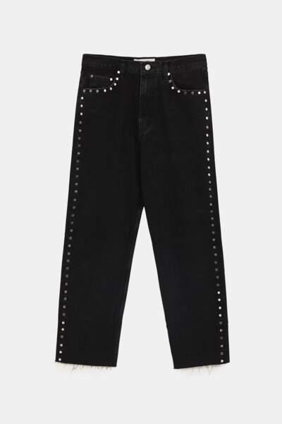 Clouté, jeans droit noir à clous, 49,95 € (Zara).
