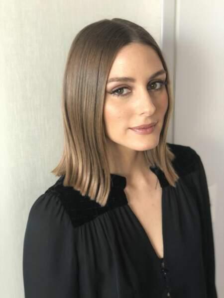 Olivia Palermo s'essaie au glass hair