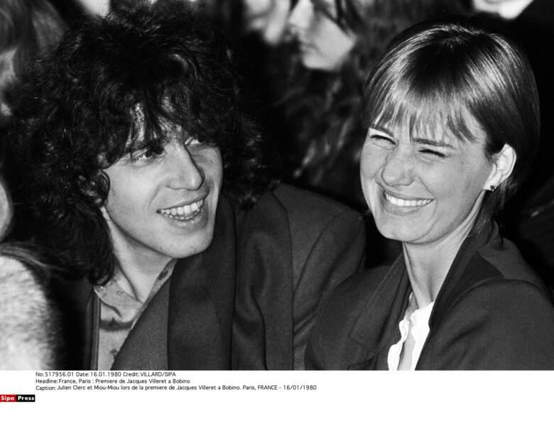 Julien Clerc et Miou-Miou restent ensemble jusqu'en 1981. Ils ont deux filles, Jeanne et Angèle