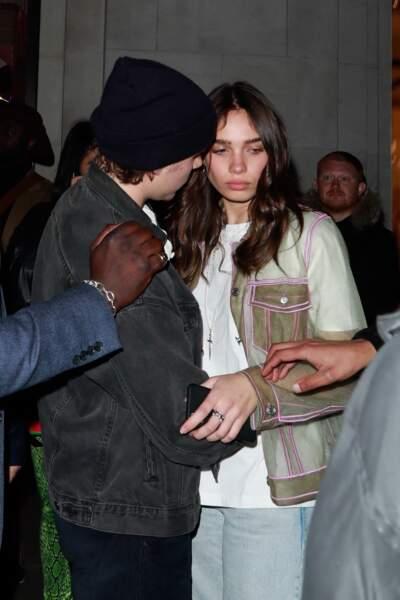 Brooklyn Beckham et Hana Cross sont apparus plus amoureux que jamais.