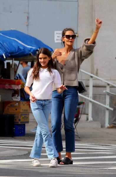 Katie Holmes et sa fille Suri Cruise multiplient les sorties shopping entre filles