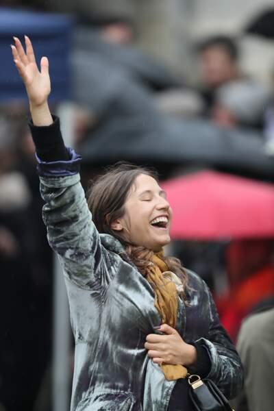 Izia Higelin lors des obsèques de Jacques Higelin au cimetière du Père Lachaise à Paris le 12 avril 2018.
