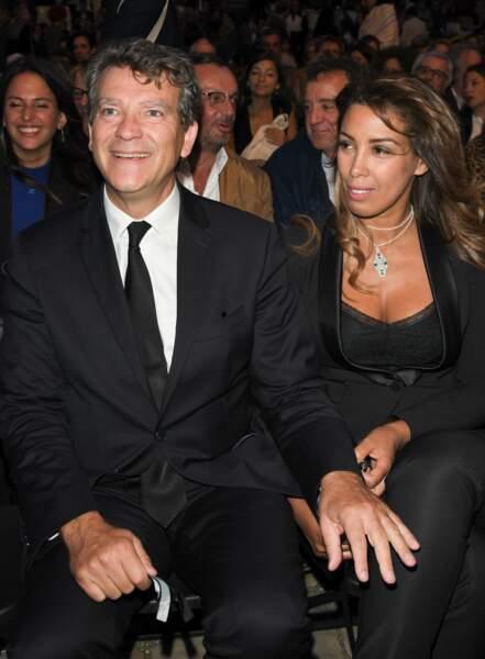 Arnaud Montebourg et Amina Walter se sont affichés très complices lors de cette soirée parisienne