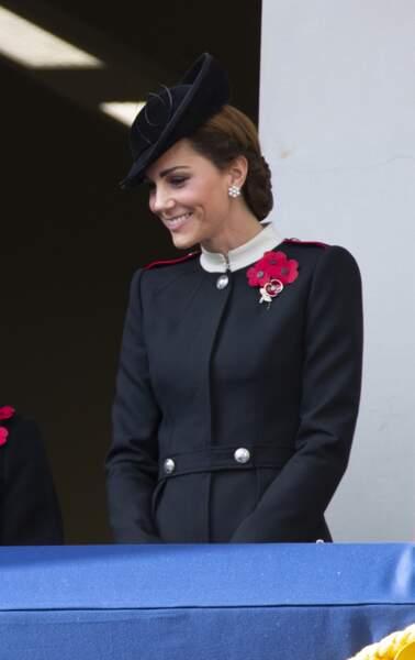 Kate Middleton a choisi un manteau de la même couleur que la tenue de Meghan Markle