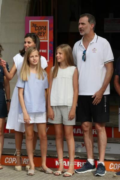 toute la famille royale en look décontractée pour les vacances à Majorque