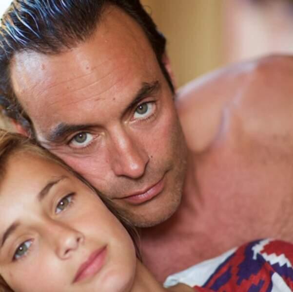 Petit selfie pour Anthony Delon et sa fille