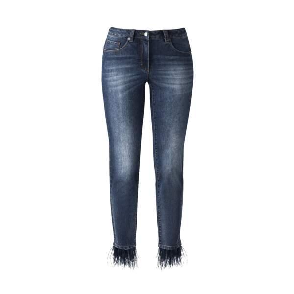 A plumes, jeans à détails plumetis, Madeleine, 149 €.