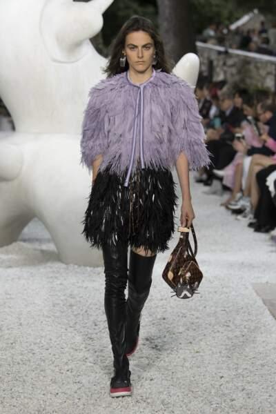 Des plumes tout en légèreté pour la collection Croisière de Louis Vuitton 2019