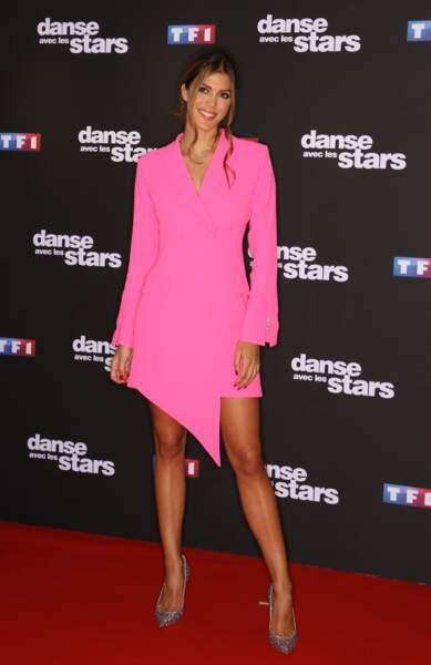 Iris Mittenaere (Miss France et Miss Univers 2016) était en robe rose signée OUD Paris.