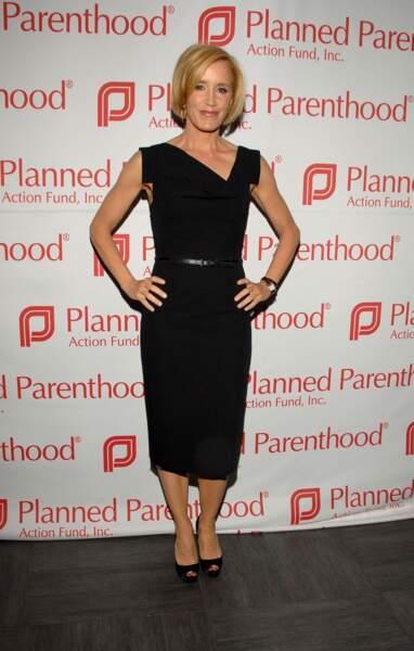 Felicity Huffman portait la robe dans sa version noire classique, en 2009 à Los Angeles