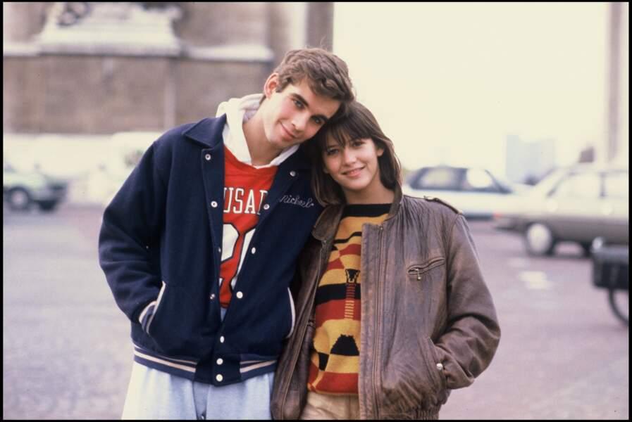 Sophie Marceau avec Pierre Cosso en 1982 pour le film Rendez-vous dans Paris.