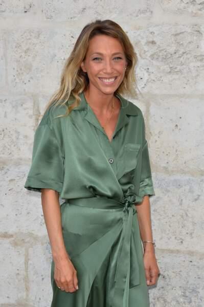 Blonde, bronzée, très souriante, Laura Smet illumine le jury du festival d'Angoulême