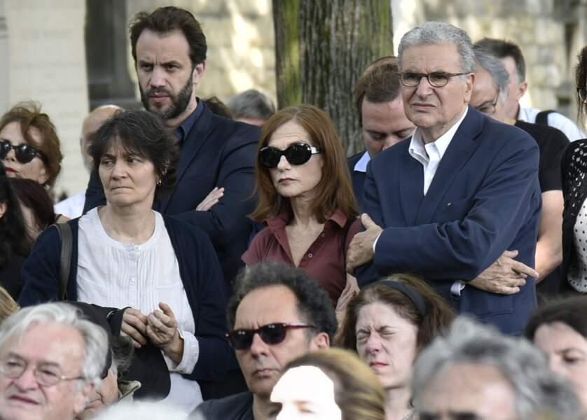 Isabelle Hupert lors des obsèques de Claude Lanzmann à Montparnasse le 12 juillet