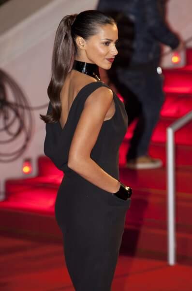 Maxi queue de cheval et lèvres rouge carmin : le look sexy de Shy'm lors de la 15e cérémonie des NRJ Music Awards