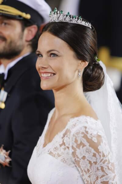 Le chignon avec raie au milieu de la princesse Sofia Hellqvist