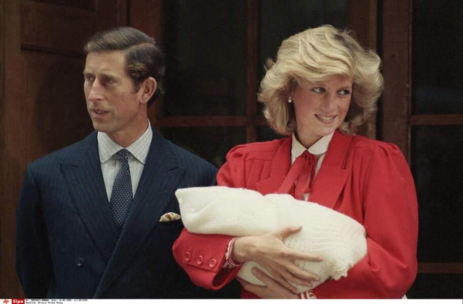 Le Prince Charles et la Princesse Diana, avec le Prince Harry, le 16 Septembre 1984